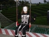 Auch ein Skelett darf mit der Seilbahn fahren
