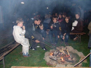 Knüppelkuchen am Lagerfeuer